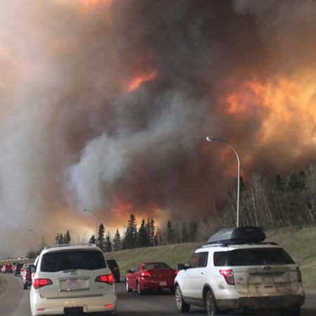 Wildfire near Highway 63 in south Fort McMurray