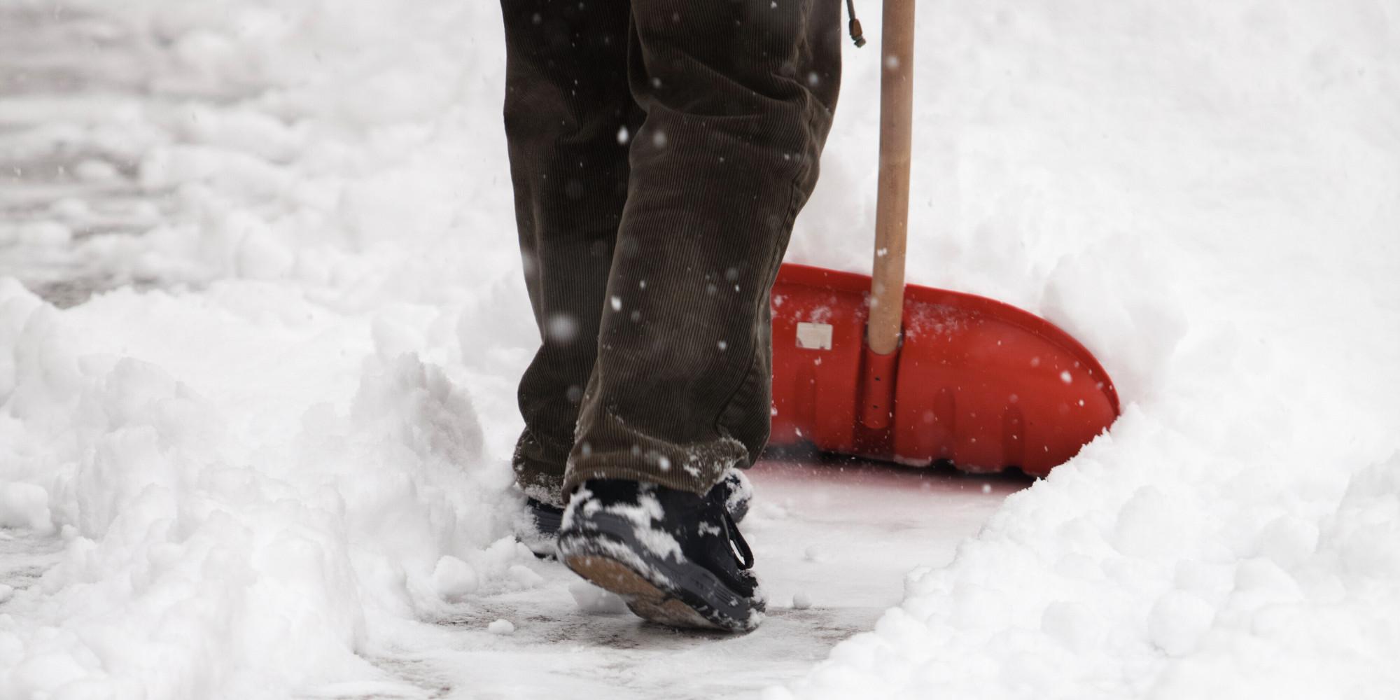 o-SHOVELLING-SNOW-facebook